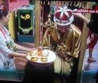 kralj-izlazi-iz-nosiljke-b.jpg